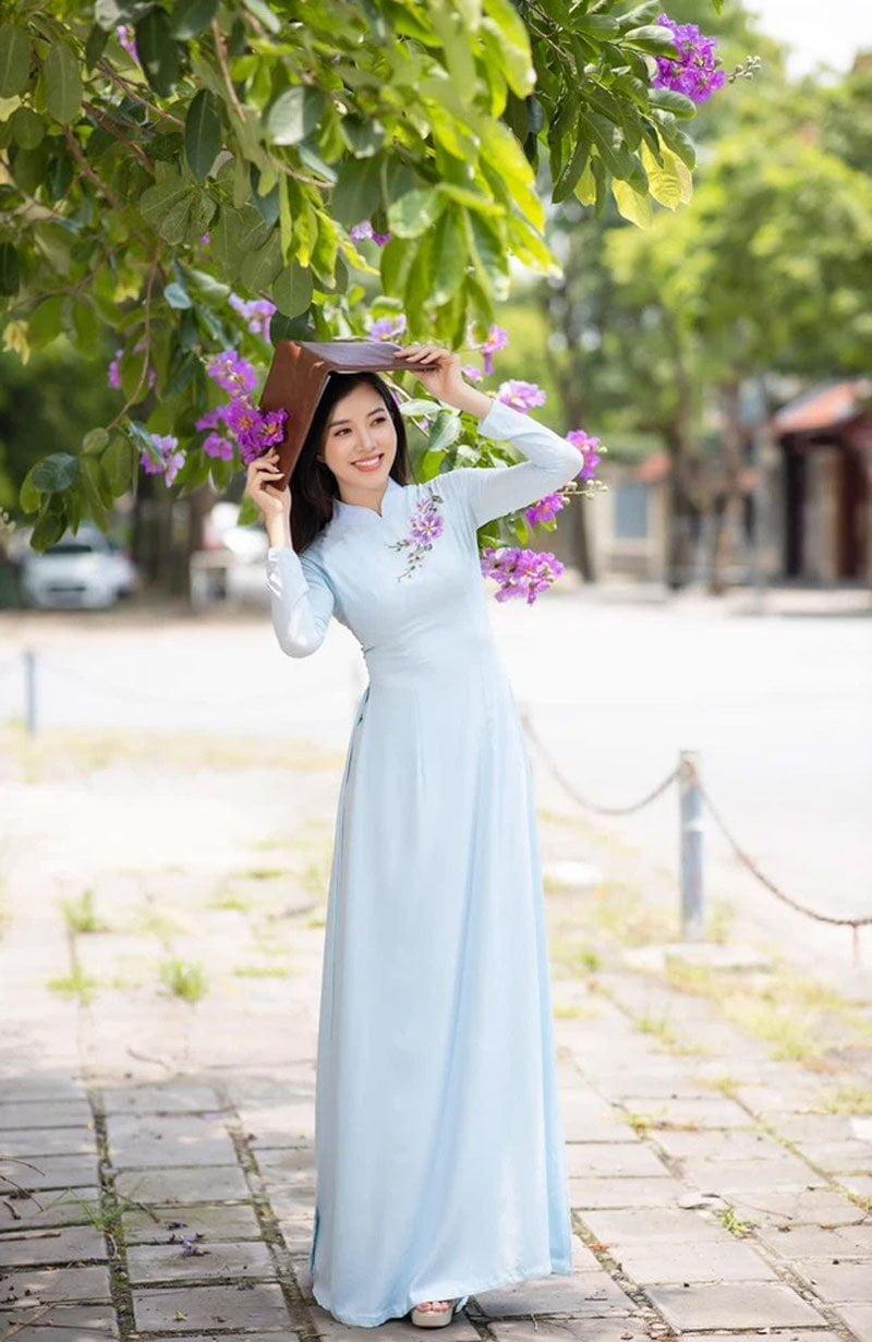 my-nhan-vtv-vua-cong-bo-ket-hon-voi-doanh-nhan-xnk-hon-12-tuoi-10-35express