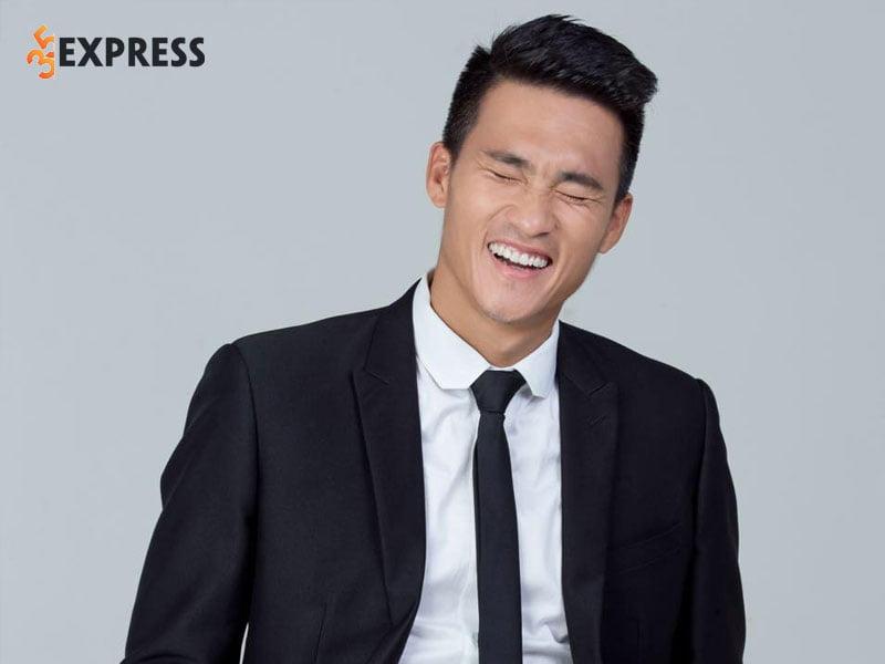 cong-vinh-la-ai-2-35express