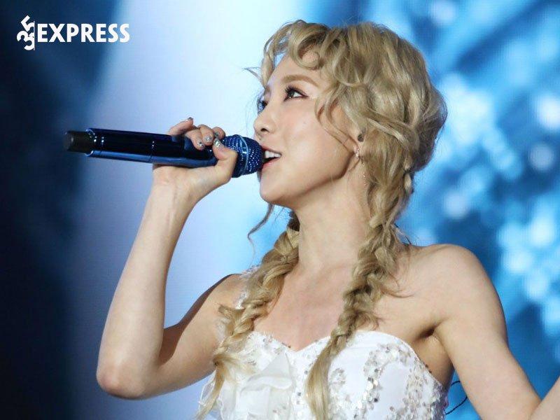 kim-taeyeon-tich-cuc-hoat-dong-am-nhac-35express