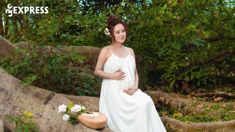 phia-vy-oanh-chinh-thuc-len-tieng-ve-thoi-gian-sinh-con-dai-12-thang-2-35express
